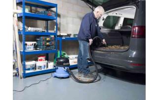 Charles Vacuum CVC370 dry vacuuming car
